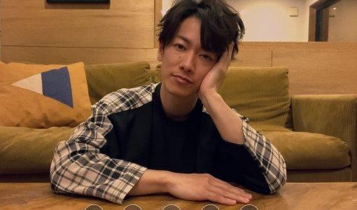 佐藤健CM(ドコモ5G)の手の振り付けはどういう意味?ゲーム?
